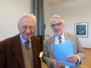 Geballte Camus-Kompetenz: Prof. Dr. Dr. Heinz Robert Schlette (links) und Prof. Dr. Maurice Weyembergh bei der Camus-Tagung in Bensberg. Foto: akr