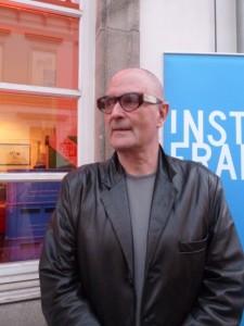 Der Fotograf Christian von Alvensleben bei der Ausstellungseröffnung. Foto: akr