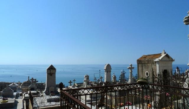 Von Cimetière Marin aus blicken die Gräber aufs Meer hinaus. © Foto: akr