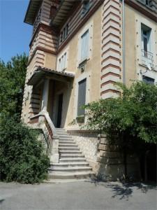 Das ehemalige Wohn- und Elternhaus von René Char. © Foto: akr