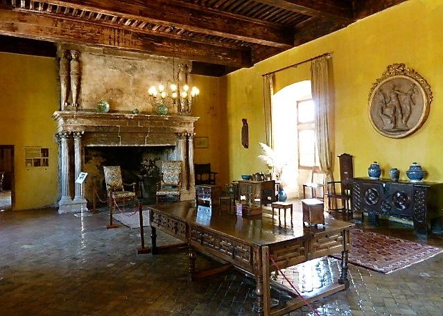 Speisesaal im Schloss Lourmarin. ©Foto: Anne-Kathrin Reif